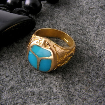 18k gold ring with turquoise scarab back on front