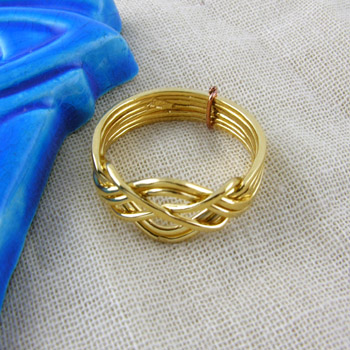 18k Gold thin Knot ring (Rings Collection)