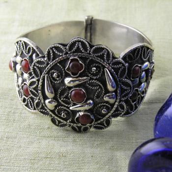 Bedouin Filigree bracelet with red stones