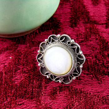 Sun sterling Silver ring with white stone (Rings Collection)