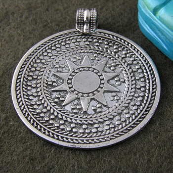 The sun Silver pendant (jewelry gifts)